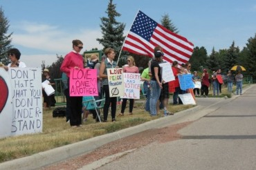 Protesters Outnumber Wyoming Anti-Islam Group at Quran Burning